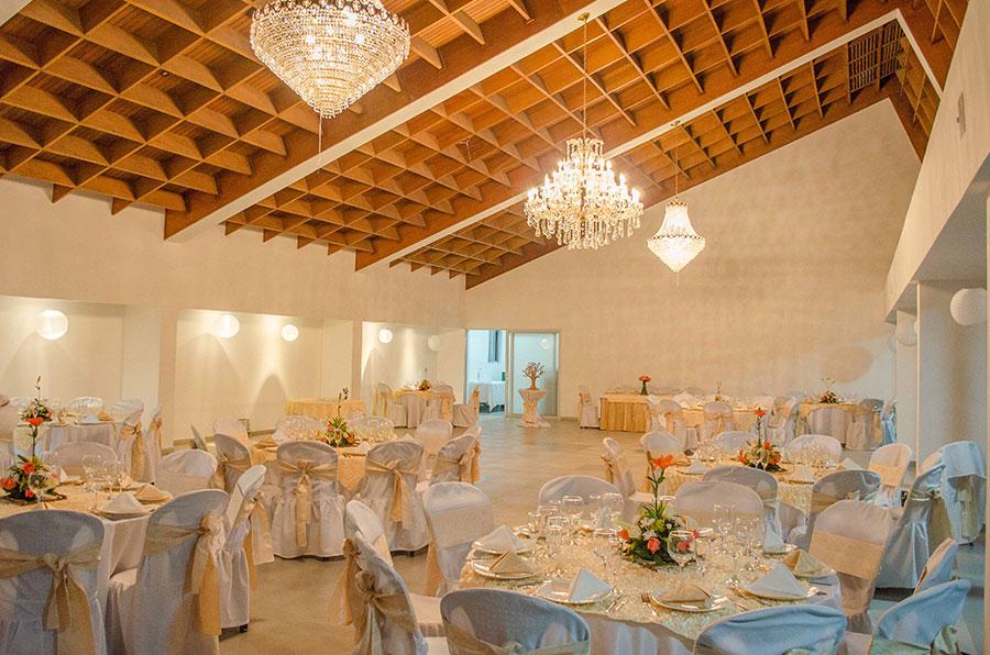 Decoraci n para bodas blanco con dorado - Decoracion de salones en blanco ...