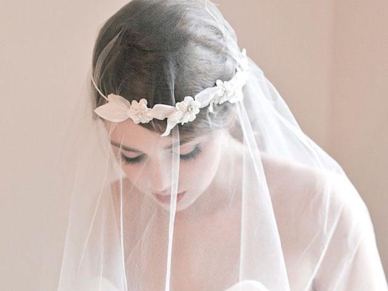 6c54e05746 El vestido de la novia no sólo es uno de los protagonistas de la fiesta  sino también un símbolo y parte de una tradición. Por ello es blanco (para  demostrar ...